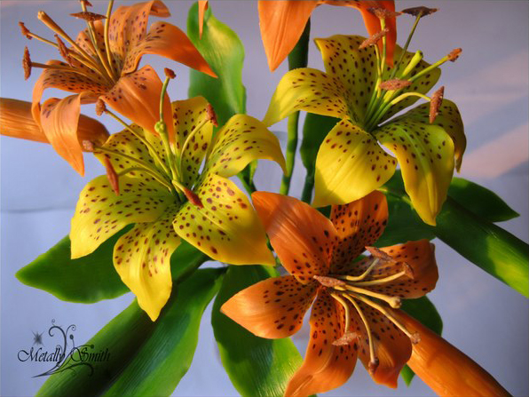 Вчимося робити «живі» квіти з холодного фарфору